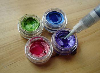 Moisten-paint
