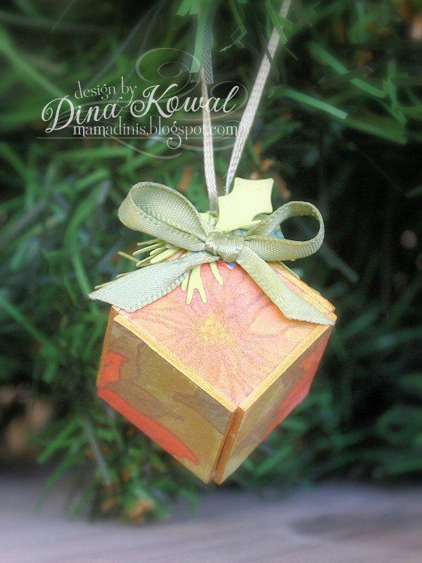 Dina-cube-ornament